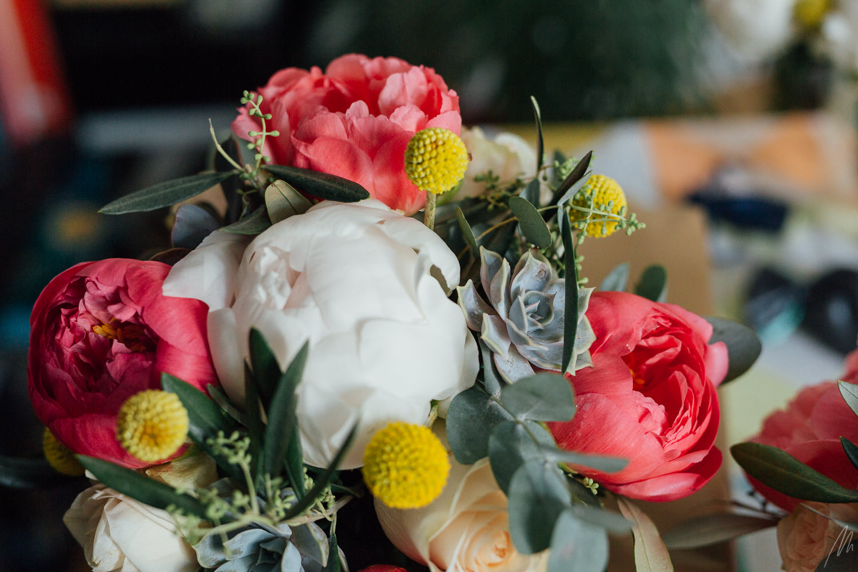 bouquet mariée craspedia plante grasse pivoine