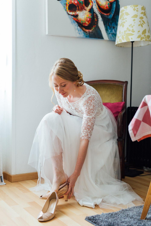 habillage de la mariée photo mariage Strasbourg