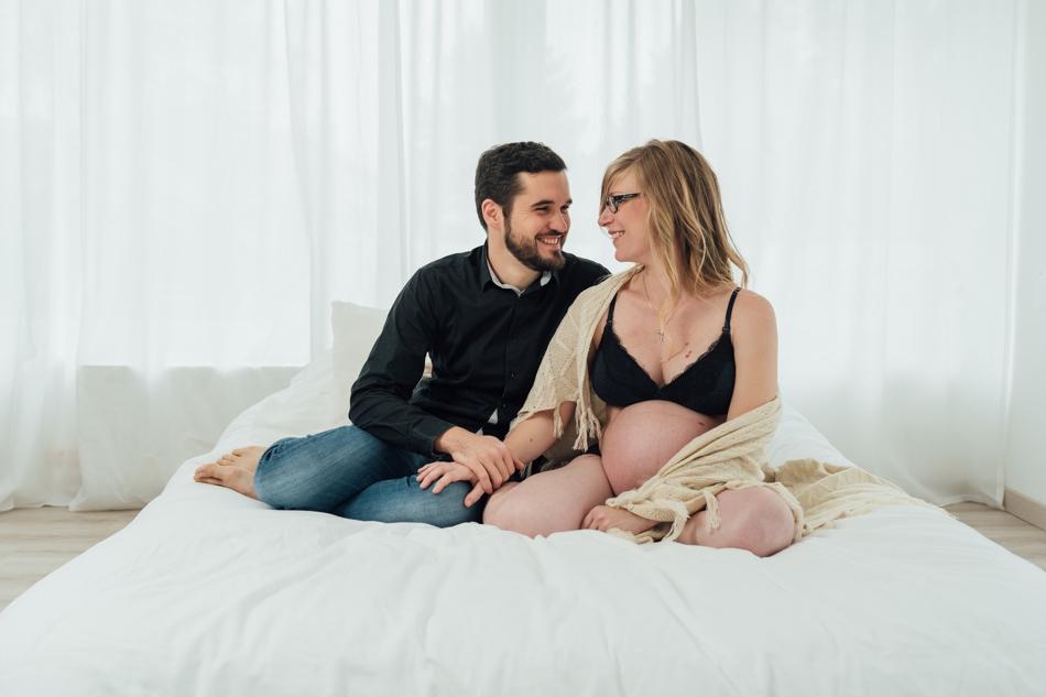 Photos de couple grossesse boudoir à haguenau