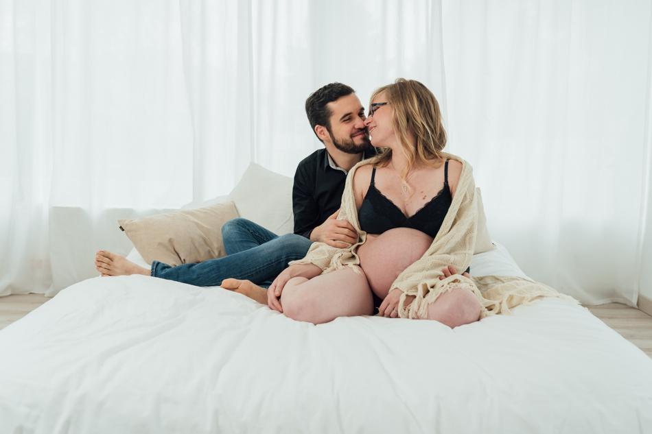 Photos de grossesse en studio melanie reichhart